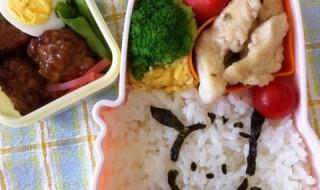 【ポチャッコ】のお弁当★海苔をカットして細かい絵を描いている人どうやってやってるんですか