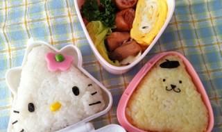 【ハローキティ&ポムポムプリンおにぎり】のお弁当★さんかくでも可愛い!