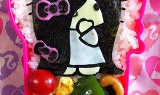 【貞子3D × ハローキティ コラボ】のお弁当★飛び出る貞子!!